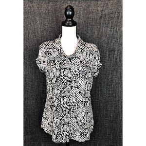 BCBG MAXAZRIA 🐍 Print Snap Closure Top sz L